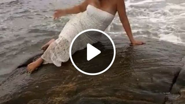 Bride Was Photographed At Coast - Video & GIFs | Fashion & Beauty, bride, photo shoot, high definition, beach