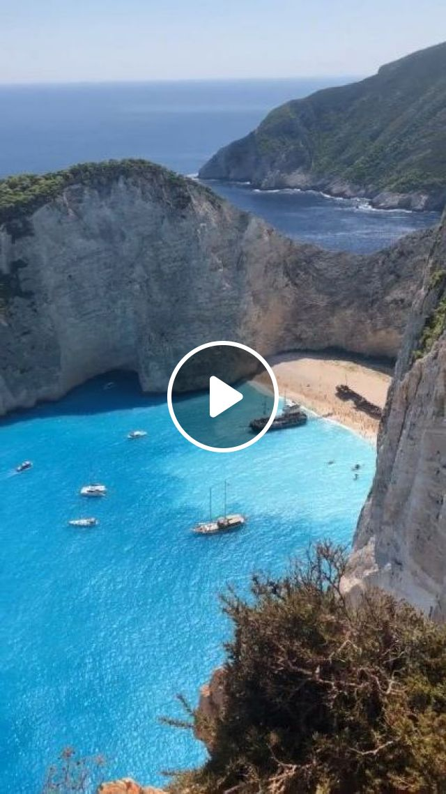 Tourist Boats Are Approaching Coast - Video & GIFs | Nature & Travel, ocean, sea, romantic, Tourist boats