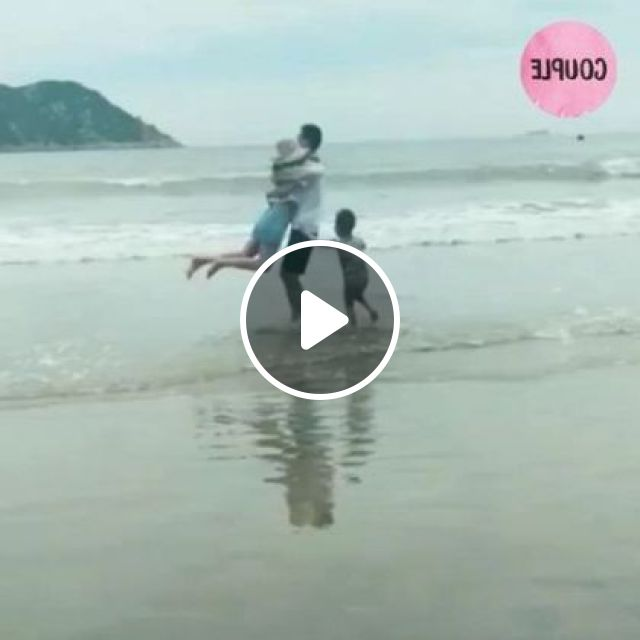 Happy Family In Beach Tour - Video & GIFs | Nature & Travel, funny, beach, sea, travel, family