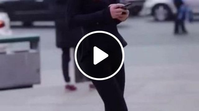 Japanese Fashion Show On The Street - Video & GIFs | fashion & beauty, clothes fashion, japanese streets, luxury vehicles
