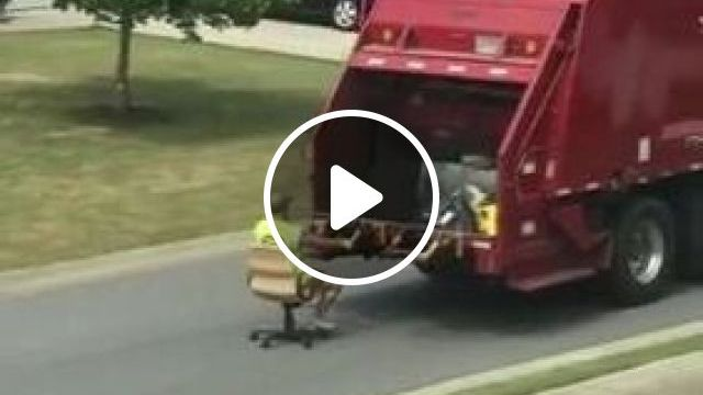 Garbage Trucks Are Moving On The Street - Video & GIFs | auto & technique, garbage trucks, recycling technology, staff