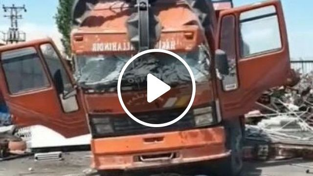 Car Recycling Factory - Video & GIFs | auto & technique, truck tractors, automatic crushers
