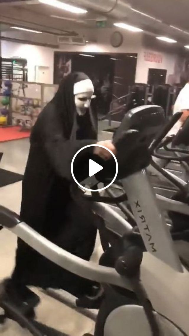 Me Warming Up For Halloween - Video & GIFs | sports, talented men, treadmill, sports clothes