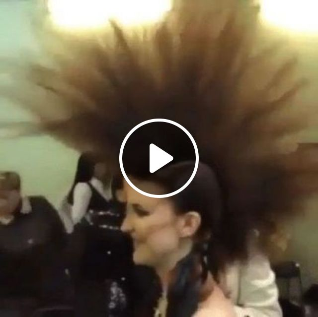 Hair That Just Keeps Standing Up - Video & GIFs | art & design, hair fashion, hairdressing tools