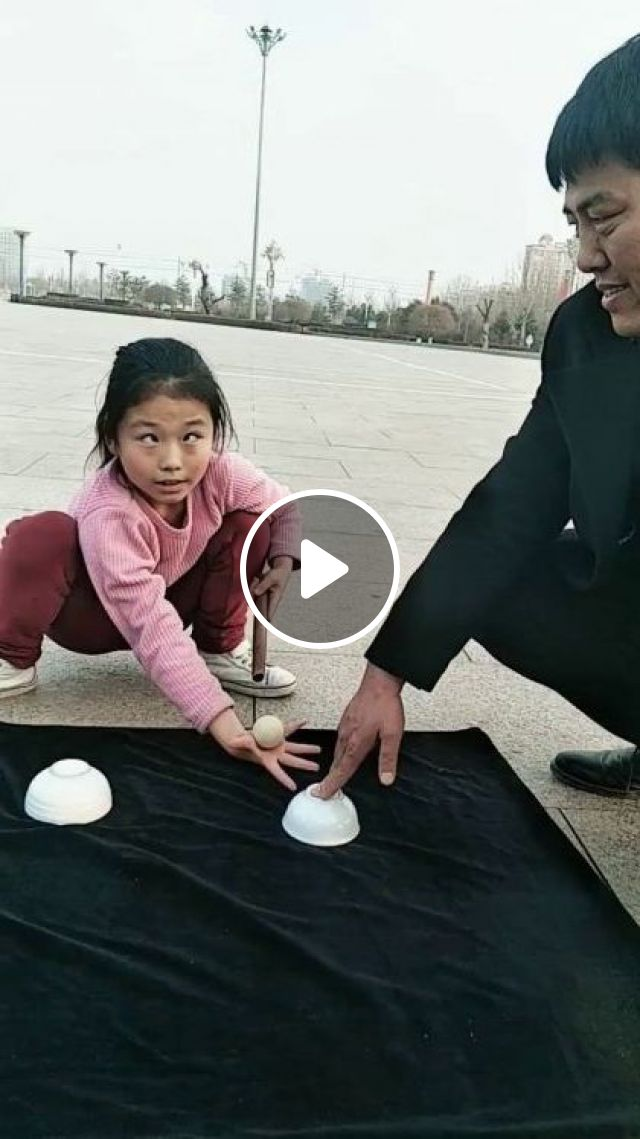 A Man Was Surprised When Child Performed Magic - Video & GIFs | Fashion & Beauty, Man, male fashion, surprised, kid, fashion children, perform magic