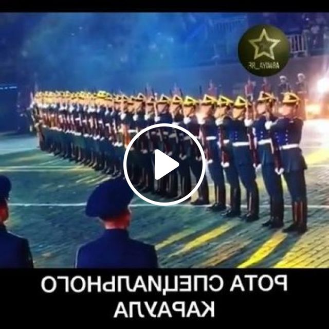 Soldiers With Impressive Performances - Video & GIFs | Fashion & Beauty, impressive soldiers, army, uniforms, performances