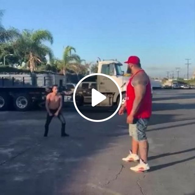 Tractor Driver Plays On The Street - Video & GIFs   auto & technique, driver, tractor truck, city, luxury vehicles