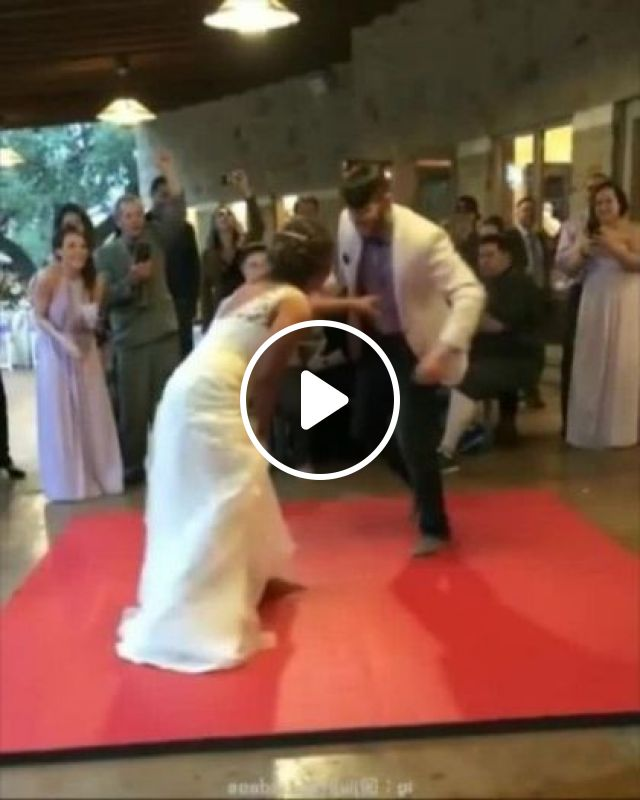 Bride And Groom Perform Martial Arts In Wedding Ceremony - Video & GIFs | fashion & beauty, bride, groom, performer, martial arts, wedding ceremony