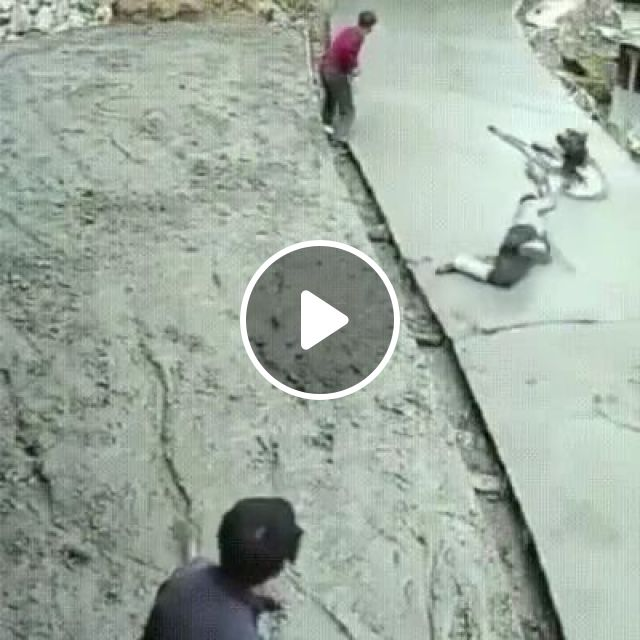Worker Cannot Control Construction Machine - Video & GIFs | science & technology, workers, controllers, construction machines