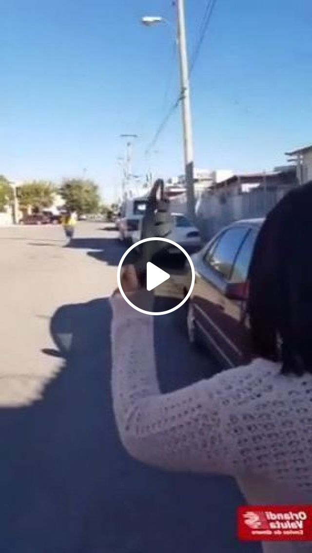 Girl Playing On The Street - Video & GIFs   fashion & beauty, cute girls, women clothes, Japanese streets, luxury vehicles