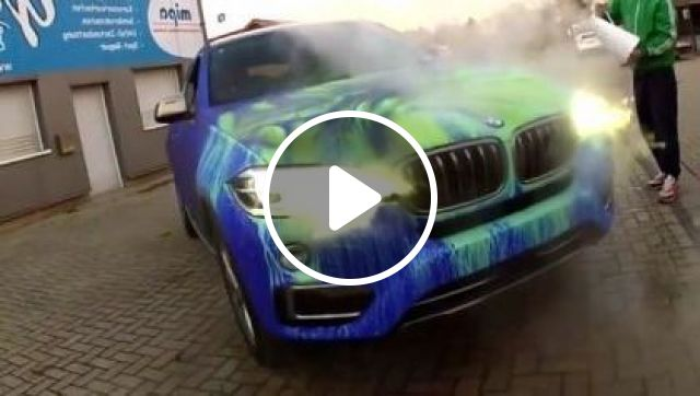 Car Changed Color When A Man Poured Water. - Video & GIFs   auto & technique, man, male fashion, luxury vehicles
