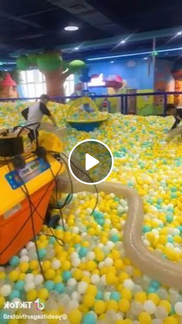 Plastic Balls Are Cleaned By Automatic Machines In Play Area - Video & GIFs | science & technology, machine, ball, pool, cleaning, automatic
