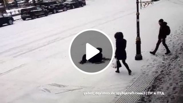 Winter We Need To Go Carefully On The Street - Video & GIFs | nature & travel, winter, winter fashion, carefully, street, luxury vehicles