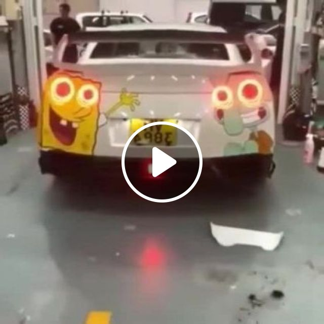 Car Is Decorated With Cartoon Characters That Look Very Cute In Street - Video & GIFs   auto & technique, decorated cars, luxury cars, luxury vehicles, streets